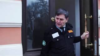 Охранник музея им. Фелицына в Краснодаре грубо отреагировал на митинг