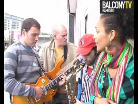 MELANIA & BAND (BalconyTV)