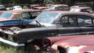 Gearhead Field Of Dreams - Antique Car Salvage yard