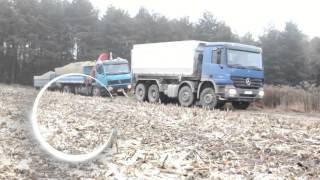 Wyciąganie ciężarówki Kombajnem John Deere || Luki9610 WTOPA