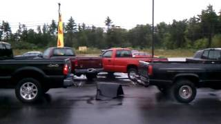 08 6.4 F250 vs 95 6.5 3500 dually 4low pull