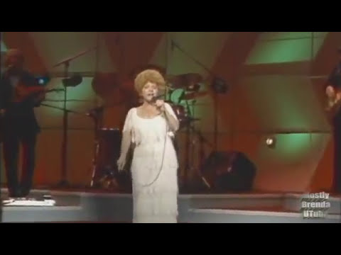 Brenda Lee - Rockin' Around the Christmas Tree ⏃ Live! - YouTube
