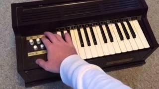 Magnus Electric Chord Organ model 360 demo
