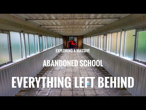 Exploring An Abandoned School - Stuff Left Behind