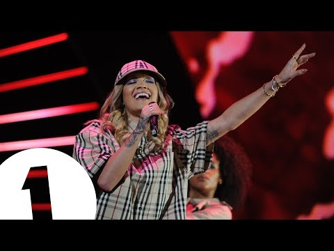 Thumbnail: Rita Ora - Your Song, Lonely Together & Anywhere (Radio 1's Teen Awards 2017)