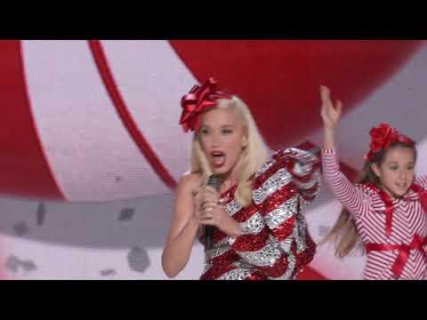 Gwen Stefani's You Make It Feel Like Christmas ||  Jingle Bells || SocialNews.XYZ
