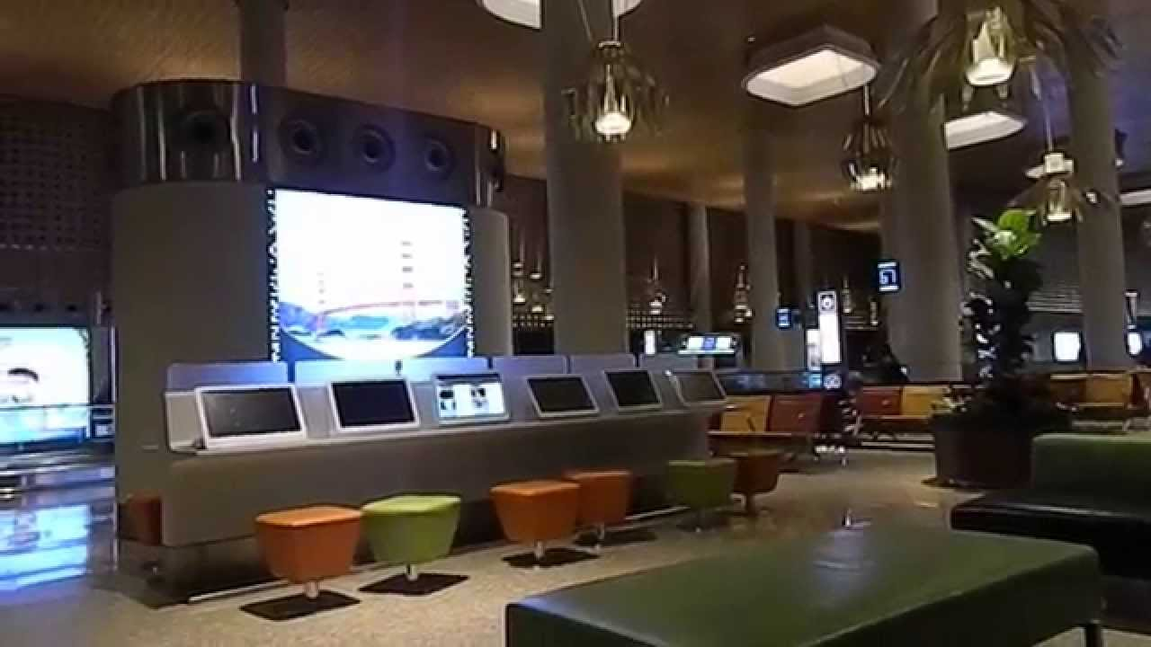 mumbai international airport terminal 2 interior c s i