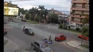 Siniestro vial en la intersección de Avenida Reyes Católicos y Los Abetos