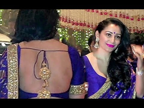 Sanjay Dutt Wife Manyata Dutt Hot Saree At Ambani Ganpati Party 2017 thumbnail