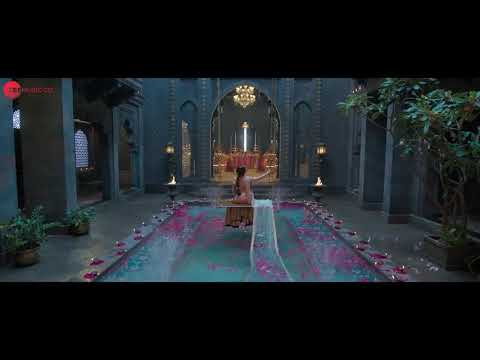 aao-padharo-piya-song-in-hindi-kalank-movi