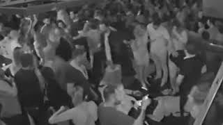 """El momento de la agresión de """"Mork"""" Braceras a un joven en un boliche"""