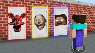 КАКУЮ СТРАШНУЮ ДВЕРЬ ВЫБЕРЕТ НУБ В МАЙНКРАФТ Хиробрин, Бабушка Гренни и Фокси в Minecraft