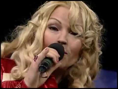Live Kristine W performance of wonder of it all with guitar on Q TV