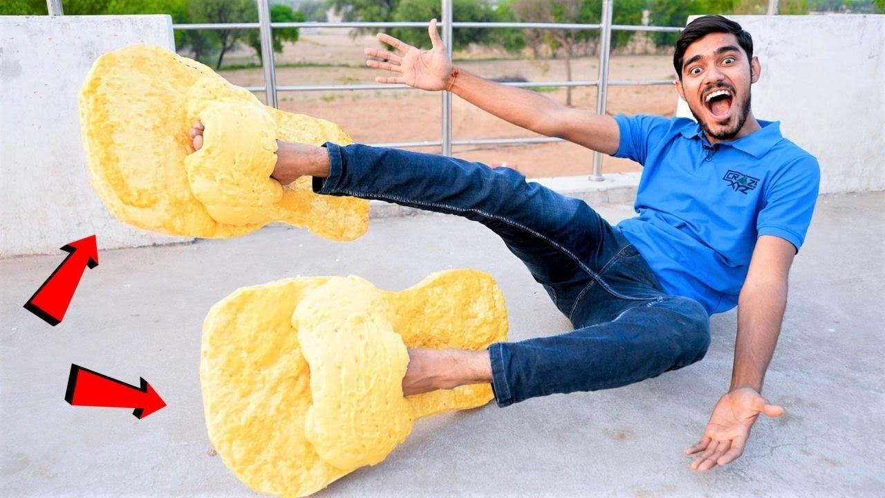 Making Largest Slippers Using Foam Spray | हमने बनायीं सबसे बड़ी अनोखी चप्पल |