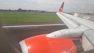 LION AIR PROSES MENDARAT DI JUANDA AIRPORT OF SURABAYA
