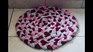 DIY: Anti Slip Super-Absorbent Bath Mat from Old Towels