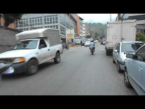 De Mototaxi por Caracas en dirección a TeleSur y RadioSur