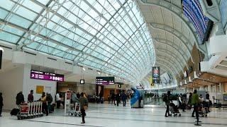TORONTO AIRPORT Departure