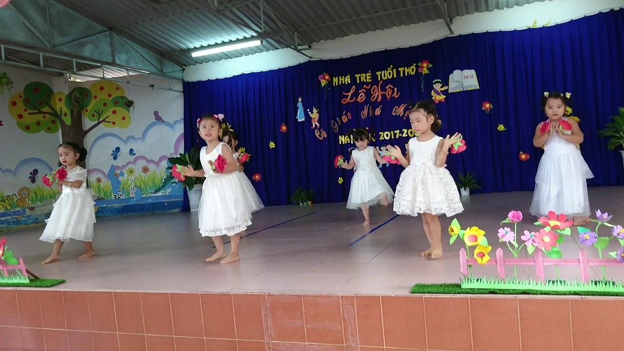 Yumi 3 tuổi múa mừng ngày nhà Giáo VN 20/11