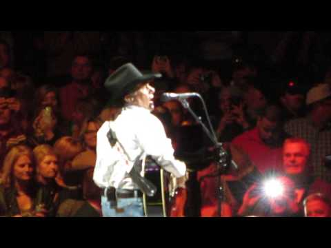 George Strait opening song in VEGAS @ MGM The 'Fireman'
