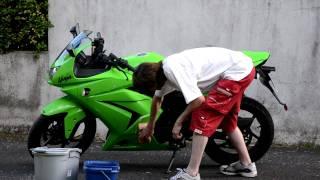 comment laver sa moto