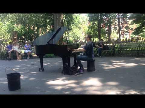 Street Piano @Washington Square Park New York