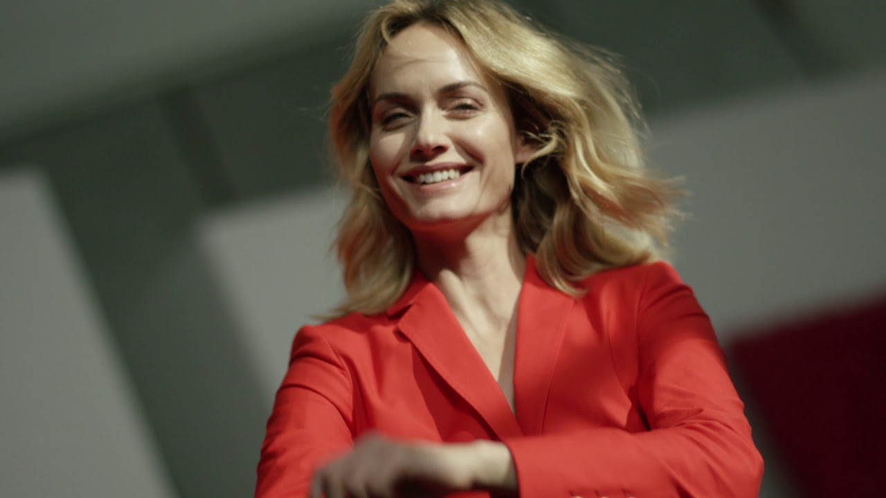 Video Amber Valletta naked (12 foto and video), Pussy, Paparazzi, Boobs, butt 2006