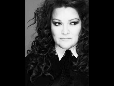 Hera Björk - Je Ne Sais Quoi ( French...
