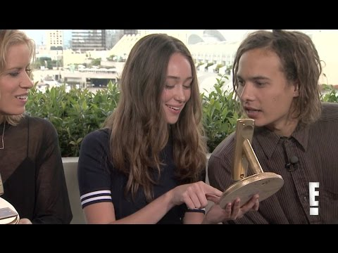 E! Online  'Fear The Walking Dead' Cast