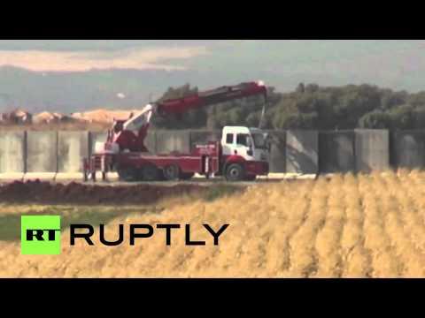 Turkey: Army Erects Wall On Syrian Border