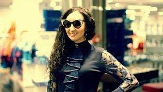 Певица Елка: очки Woodeez by Elka