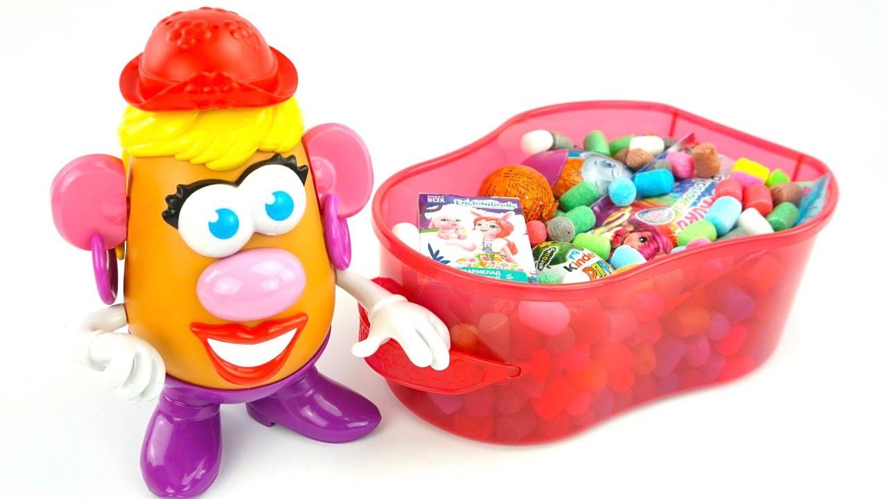 Мисс Картошка открываем сюрпризы и ищет игрушки из мультиков