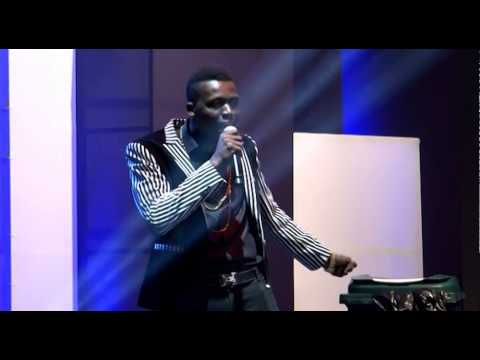 AKPORORO ON YAW LIVE ON STAGE WITH JULIUS AGWU, 2014.