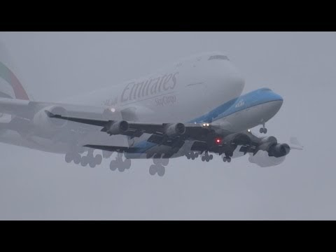 Approach 3 times B747F emirates B747 KLM B777 KLM special