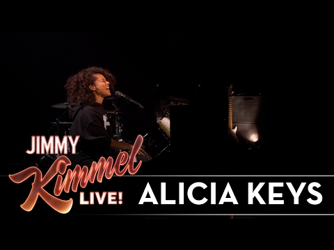 Alicia Keys Performs 'Illusion of Bliss'