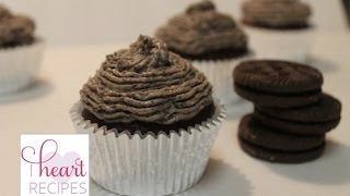 Chocolate Cupcakes With Oreo Buttercream Frosting | I Heart Recipes