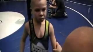 Жесткий второклашка. 7-ми летний борец. Bad Ass Kid.(воьник второклашка., 2011-10-15T18:43:01.000Z)