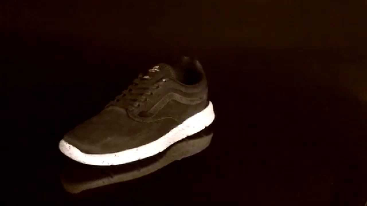 5870dd4822 Vans M ISO 1 5 sneaker Tiger Mesh Black VXB8FNC - YouTube