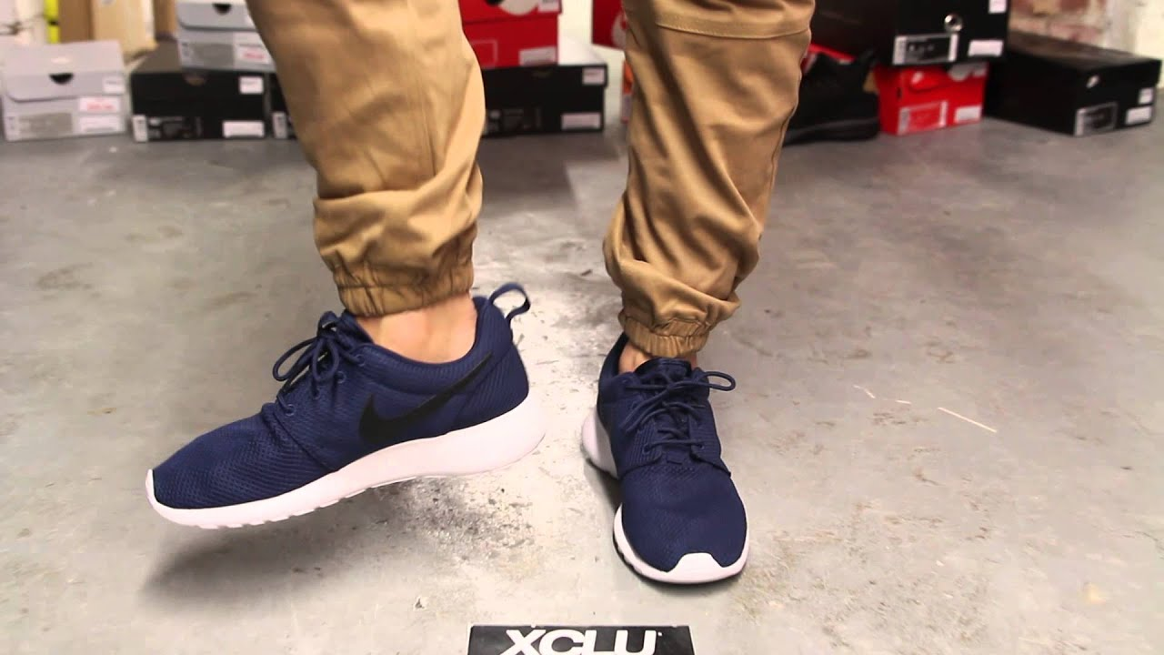 434135cdeb9a Nike Roshe Run - Midnight Navy - On-feet Video at Exclucity - YouTube