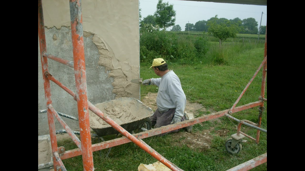 Enduit traditionnel ravalement de fa ade youtube - Faire un beton cire sur du carrelage ...