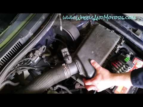 How to replace engine air filter VW Golf Mk4 (Bora, Jetta)