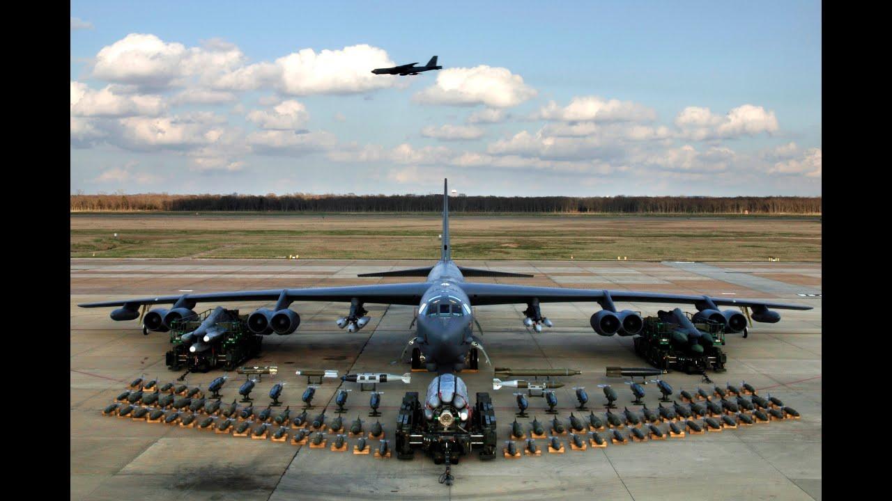 Cận cảnh máy siêu máy bay ném bom B-52 của mỹ