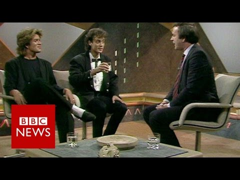 Highlights from Sir Terry Wogan's chat show - BBC News