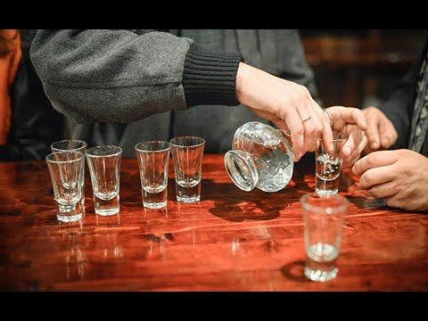 Из глубины русской души: водка как лекарство, яд и социальная необходимость. 100+1, Чехия.