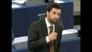 Durão Barroso foge do Parlamento Europeu para não ouvir o deputado do PCP, João Ferreira