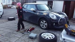 Thay bánh xe mùa hè # change car wheel.