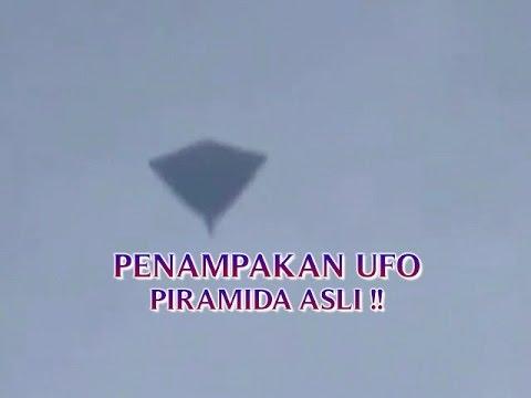 """VIDEO PENAMPAKAN UFO PIRAMIDA ASLI """"TERBANG DI LANGIT ..."""
