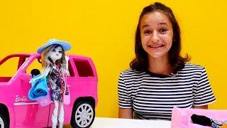 Monster High oyuncakları. Frankie için Plaj oyuncak seti.