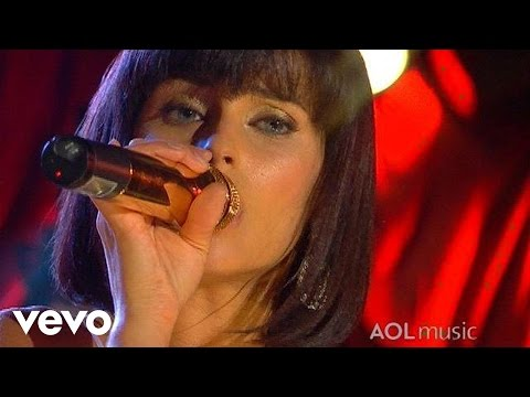 Nelly Furtado - Turn Off The Light (Live at the Roxy)
