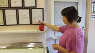 видео Тонировка окон в квартире своими руками: пленка, как клеить